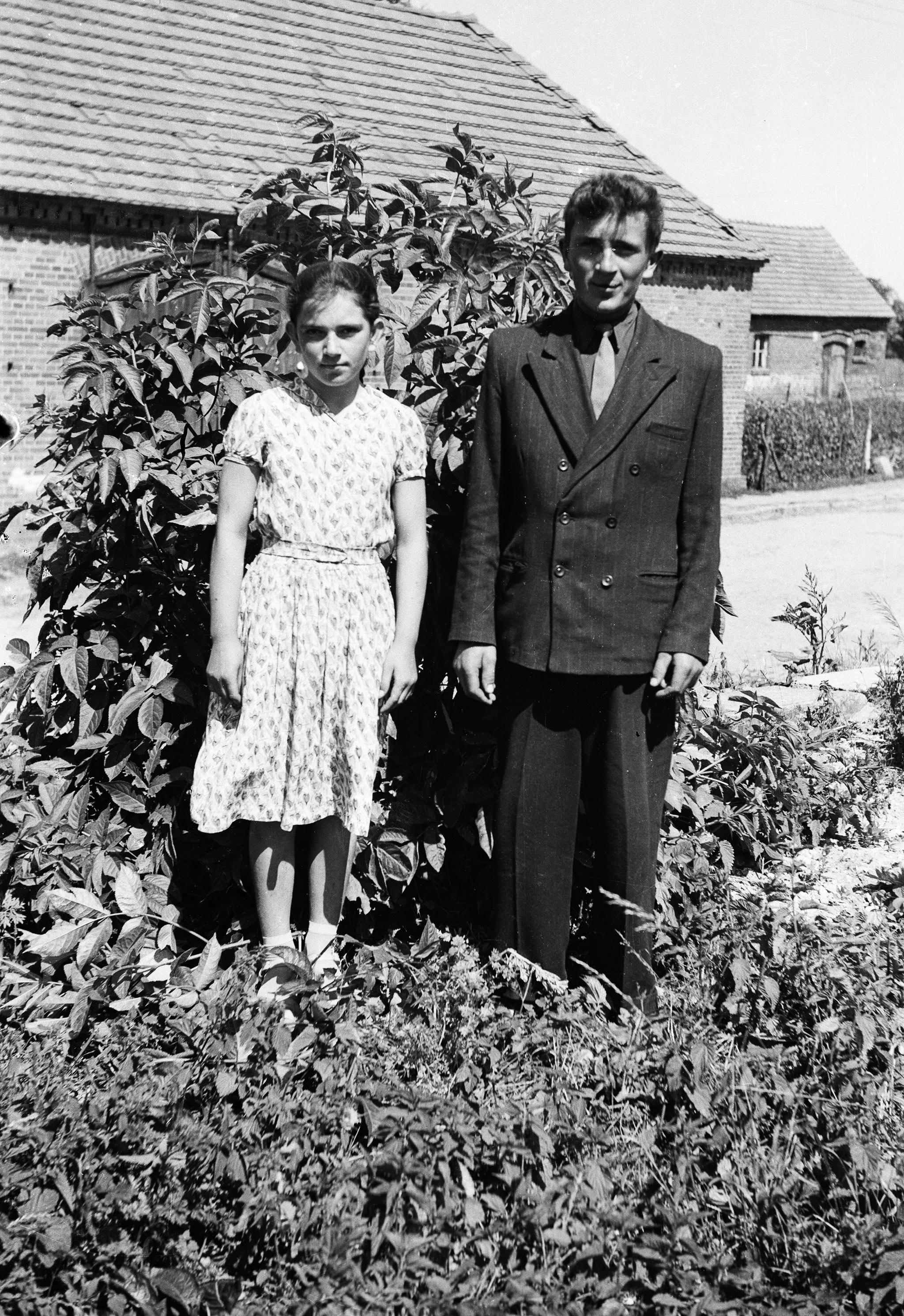 Członkowie rodziny Świątek, Turzany, Dolny Śląsk, lata 50. XX w.