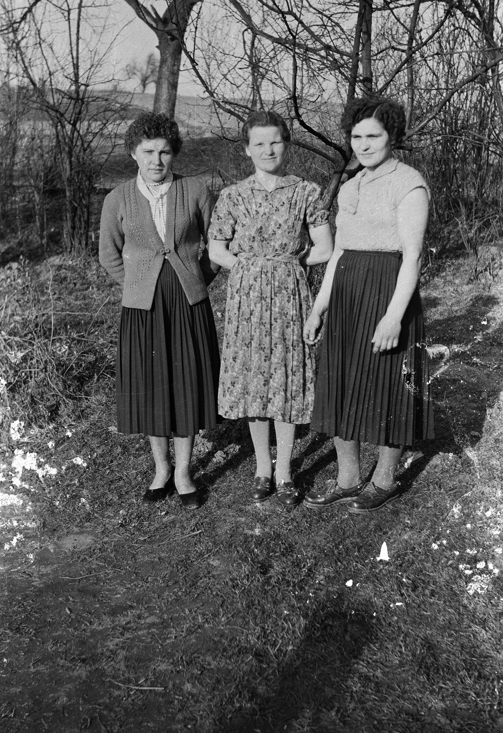 Kobiety z rodziny Wernickich, Stryjno, Dolny Śląsk, lata 50. XX w.