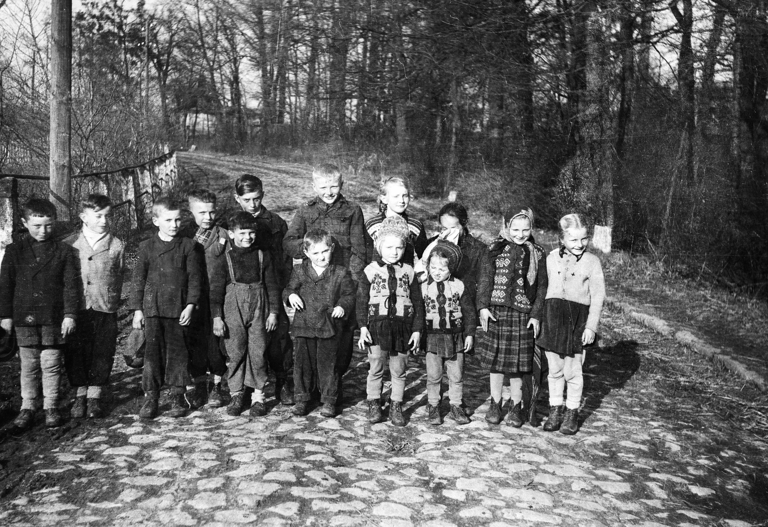 Dzieci z Brzózki, Dolny Śląsk, lata 50. XX w.