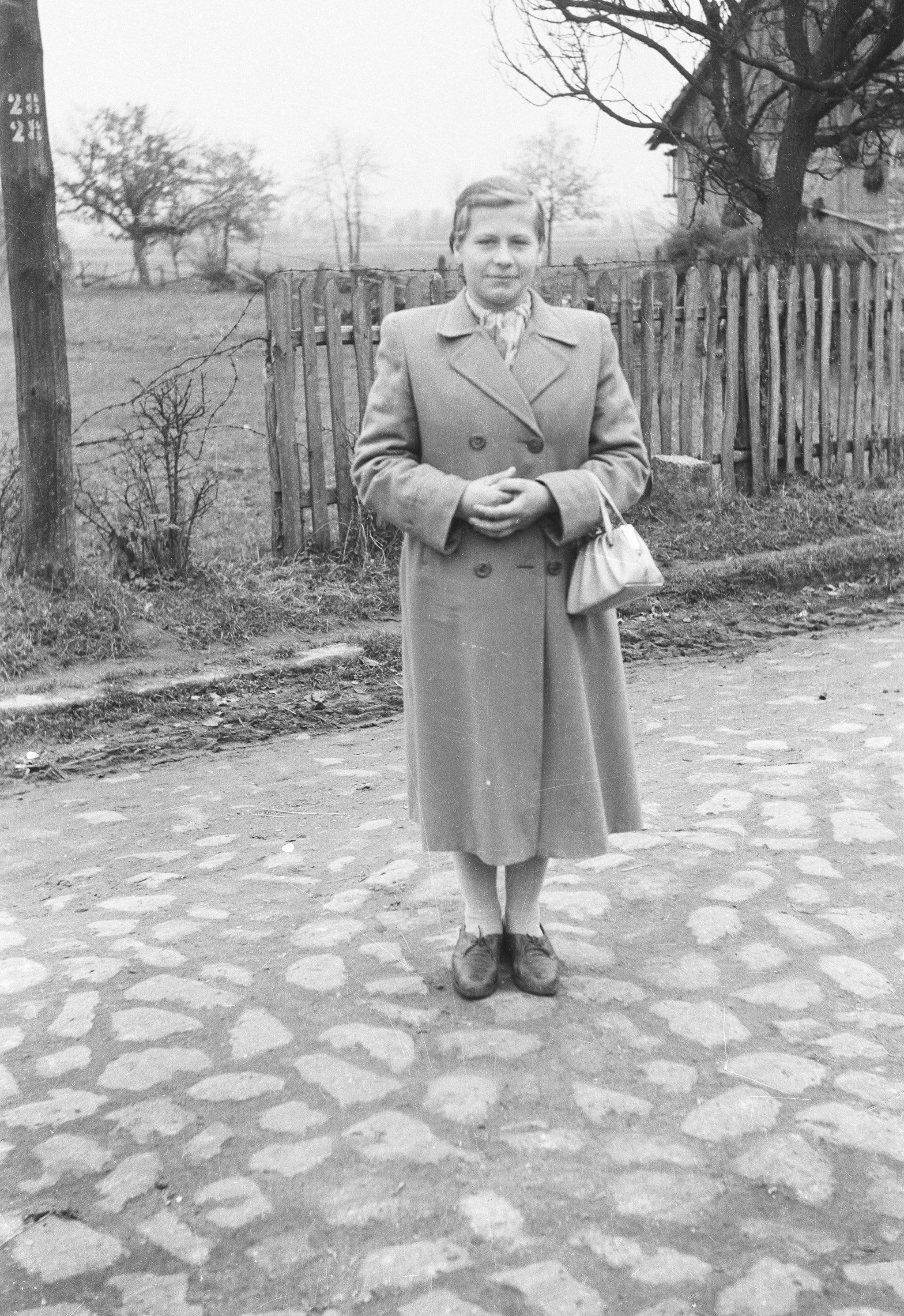 Barbara Szwaj,  Brzózka, Dolny Śląsk, lata 50. XX w.