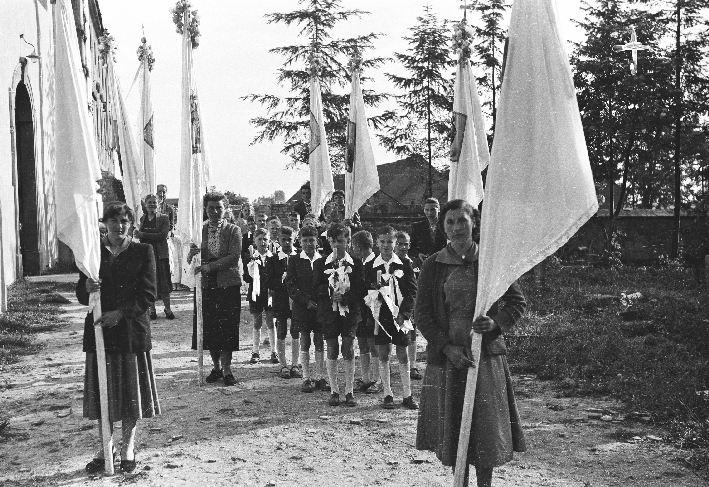 Pierwsza Komunia Święta, Głębowice, Dolny Śląsk, lata 50. XX w.
