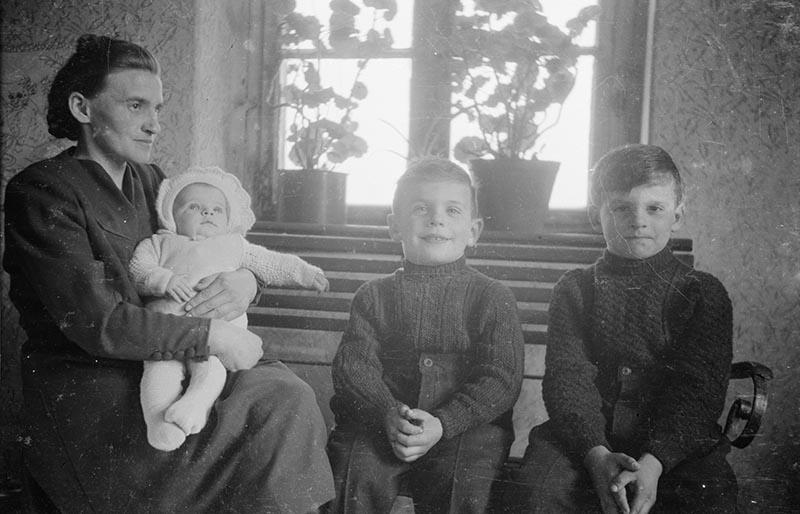 Rodzina Gazińskich, Brzózka, Dolny Śląsk, koniec lat 50. XX w.