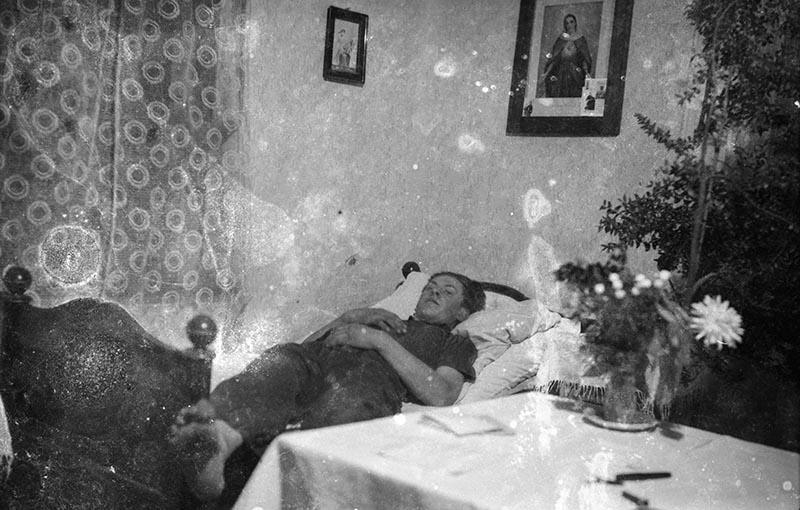 Augustyn Czyżowicz w łóżku, Brzózka, Dolny Śląsk, 2. poł. XX w.