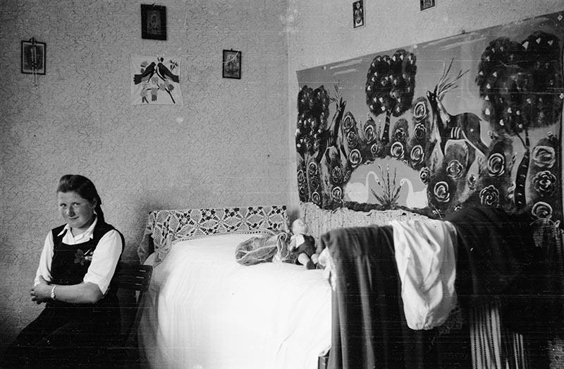 Dziewczyna, pow. Wińsko, Dolny Śląsk, koniec lat 50. XX w.