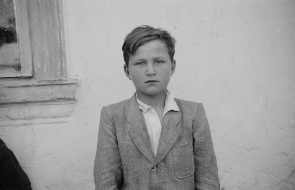 zdjęcia do dokumentów wykonywane przez Augustyna Czyżowicza.