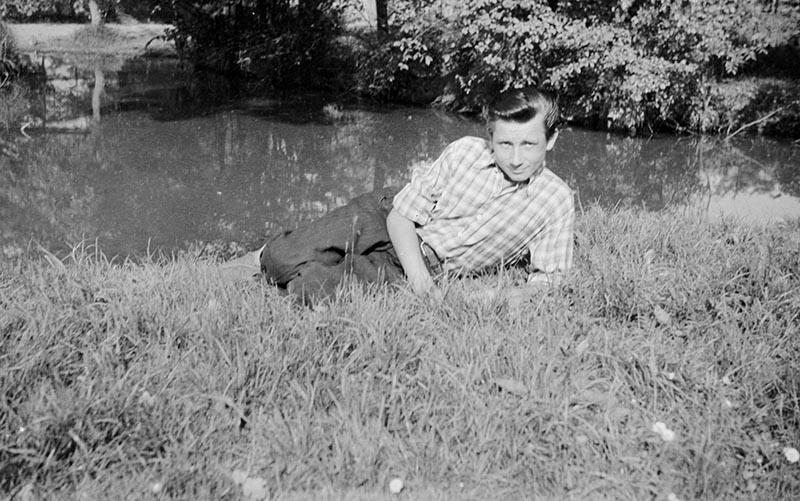 Chłopak nad wodą, Dolny Śląsk, lata 50. XX w.