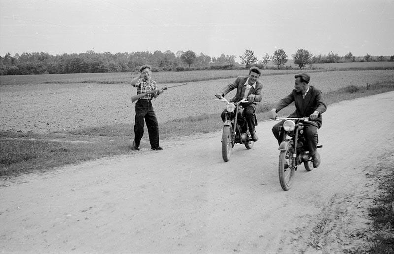 Radośni motorzyści, Brzózka, Dolny Śląsk, lata 50. XX w.