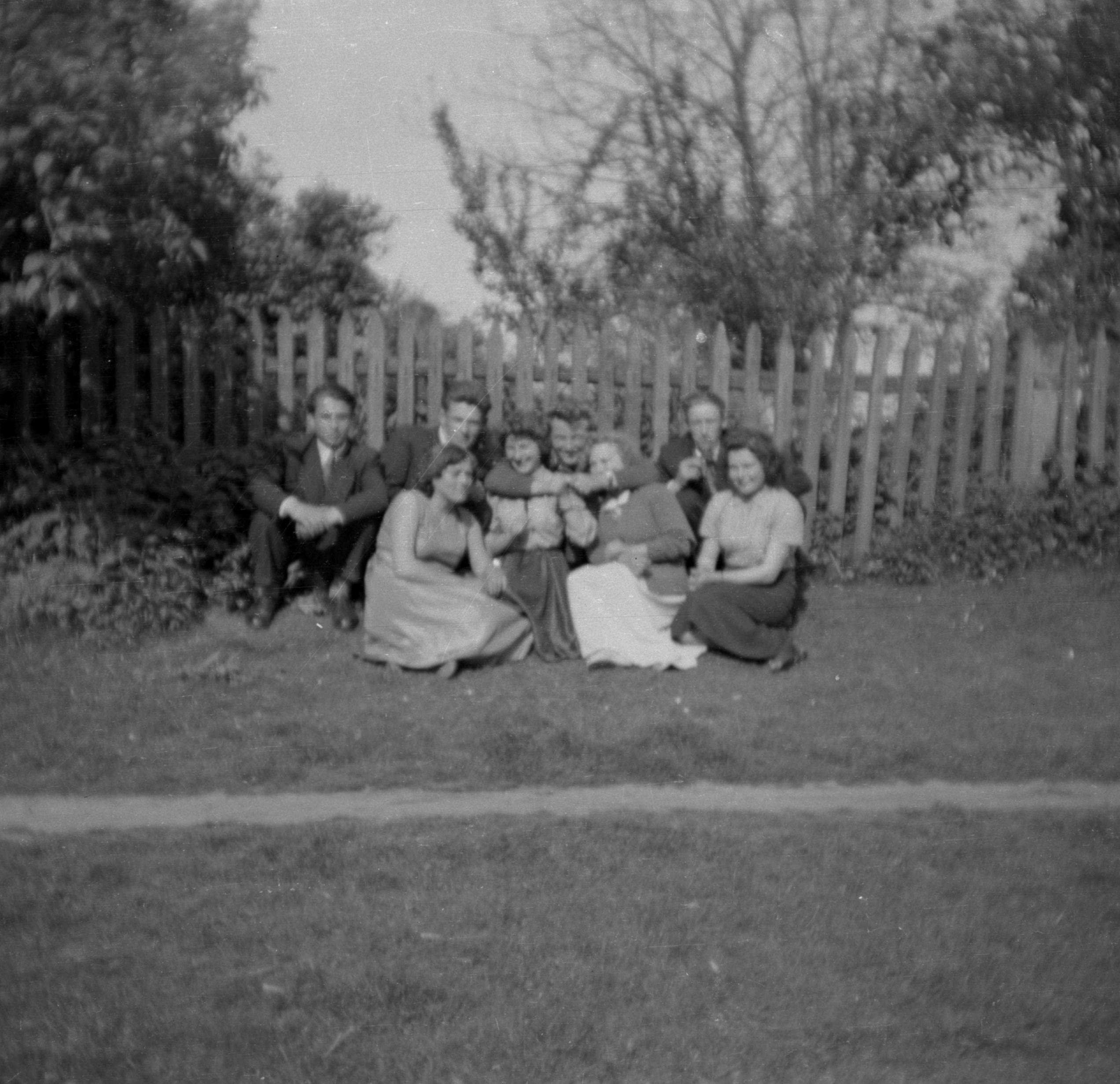 Zdjęcie wesołej grupy, Dolny Śląsk, 2. poł. XX w.