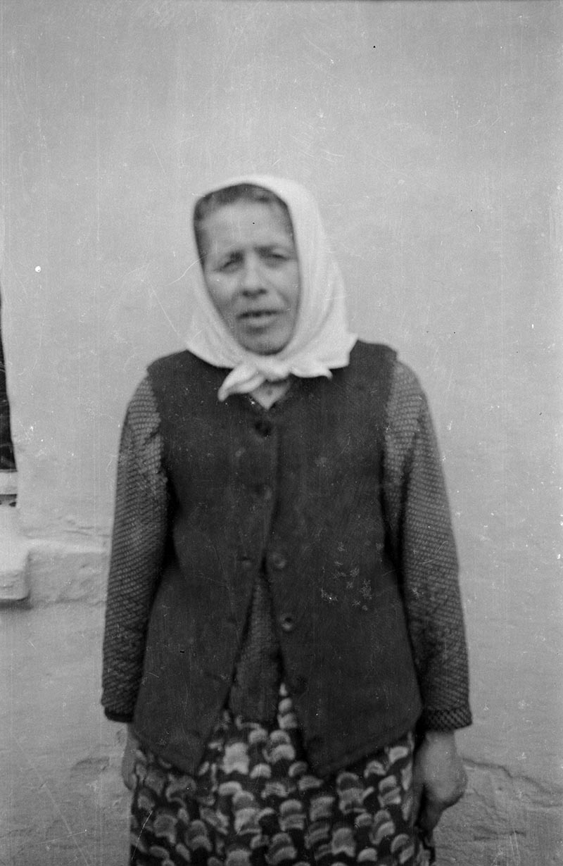 Portret kobiety w chuście, Dolny Śląsk, 2. poł. XX w.