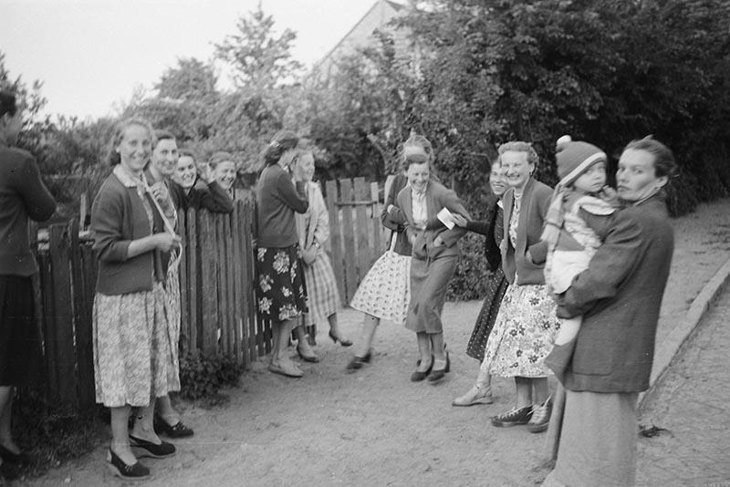Niedzielne spotkanie, Trzcinica Wołowska, koniec lat 50. XX w.