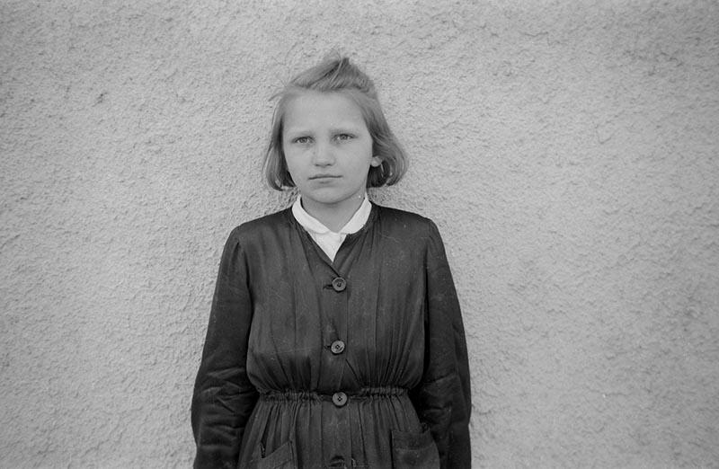 Portret dziewczynki, Dolny Śląsk, lata 50. XX w.