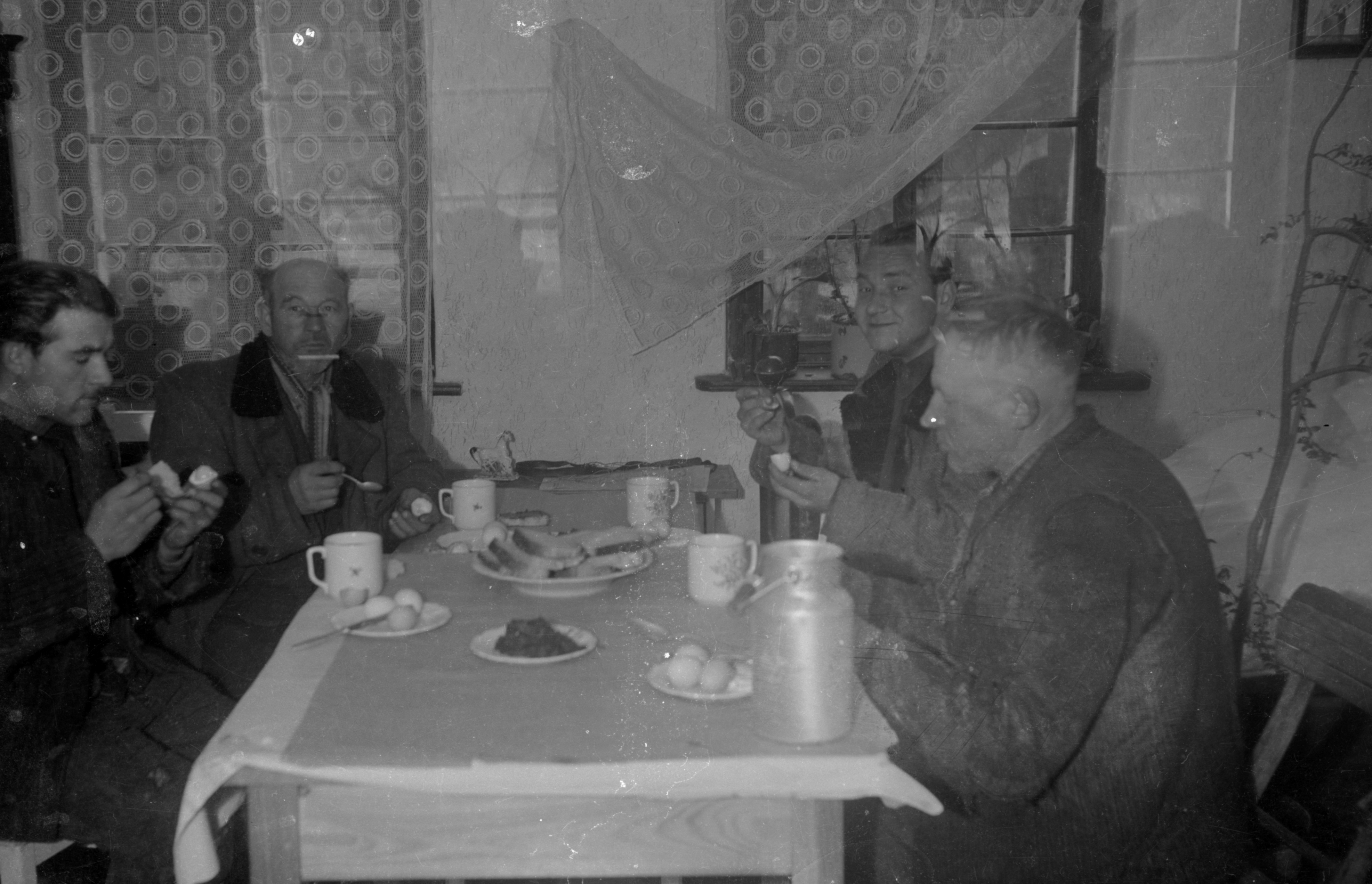 Panowie przy posiłku, Dolny Śląsk, 2. poł. XX w.